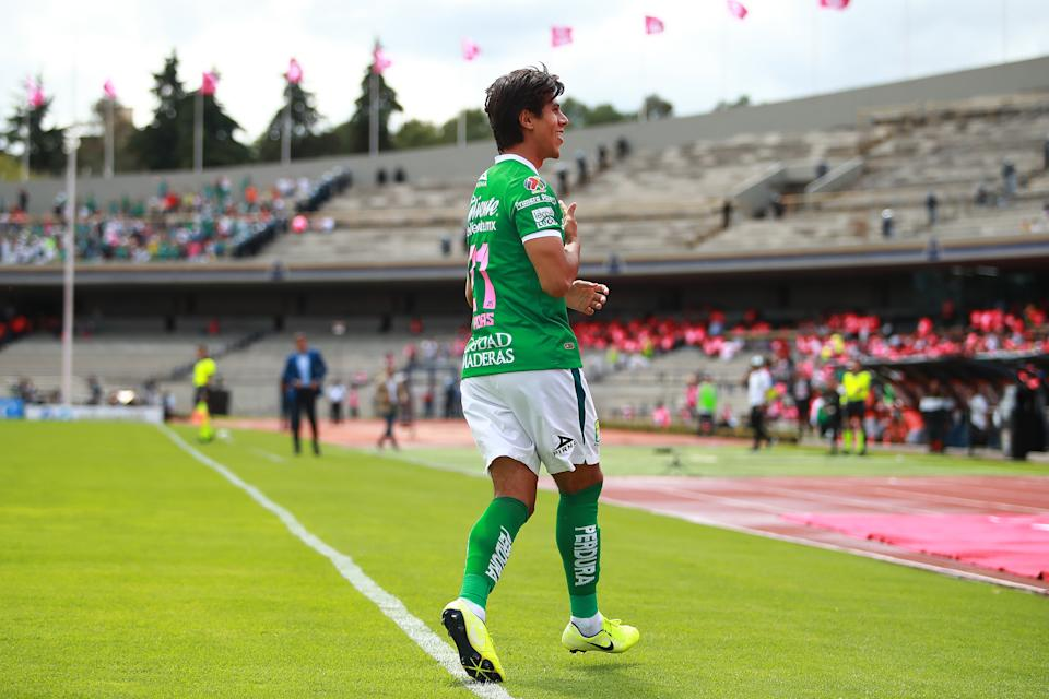 MEXICO CITY, MEXICO - OCTOBER 20: Jose Macias #21 of Leon celebrates his team's first goal during the 14th round match between Pumas UNAM and Leon as part of the Torneo Apertura 2019 Liga MX at Olimpico Universitario Stadium on October 20, 2019 in Mexico City, Mexico. (Photo by Hector Vivas/Getty Images)