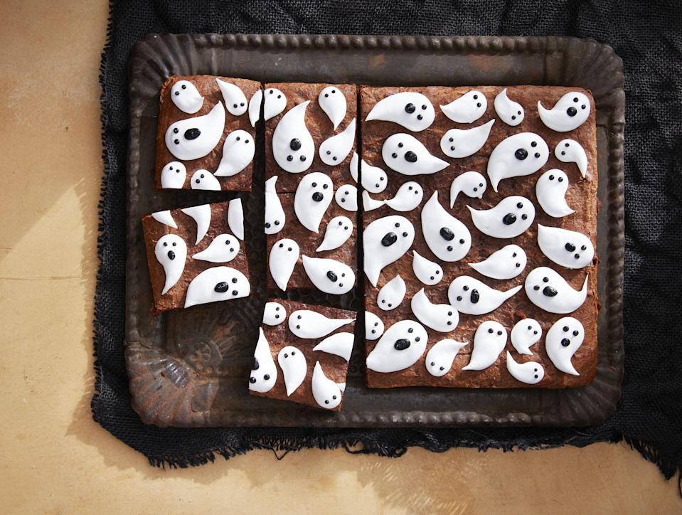 """<p>You don't have to wait until October 31 to enjoy some devilishly good Halloween treats. Here, we've rounded up our very favorite Halloween snacks and Halloween desserts for parties, for kids' events, or just for the heck of it. Our decadent picks include everything from <a href=""""https://www.countryliving.com/food-drinks/g604/halloween-cake-recipes-1008/"""" rel=""""nofollow noopener"""" target=""""_blank"""" data-ylk=""""slk:Halloween cupcakes"""" class=""""link rapid-noclick-resp"""">Halloween cupcakes</a> to <a href=""""https://www.countryliving.com/food-drinks/g2651/halloween-cookies/"""" rel=""""nofollow noopener"""" target=""""_blank"""" data-ylk=""""slk:Halloween cookies"""" class=""""link rapid-noclick-resp"""">Halloween cookies</a>, as well as a ton of other treats that'll delight both adults and kids. </p>"""