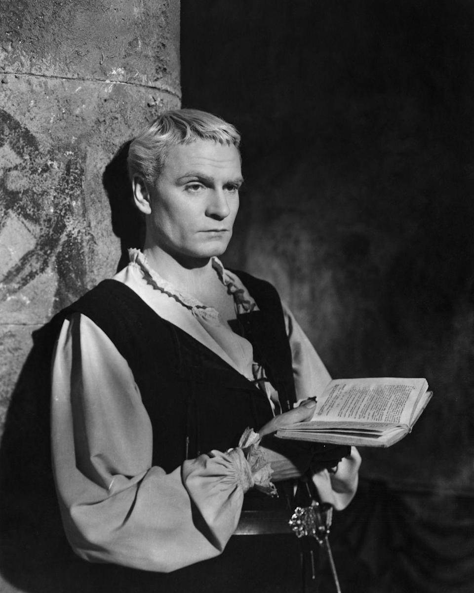 """<p><em>Hamlet</em> was the second film Sir Laurence Olivier both directed and starred in. It was <a href=""""https://www.imdb.com/name/nm0000059/#director"""" rel=""""nofollow noopener"""" target=""""_blank"""" data-ylk=""""slk:one of three Shakespeare film adaptations"""" class=""""link rapid-noclick-resp"""">one of three Shakespeare film adaptations</a> in which the actor would go on to both act and direct. </p>"""
