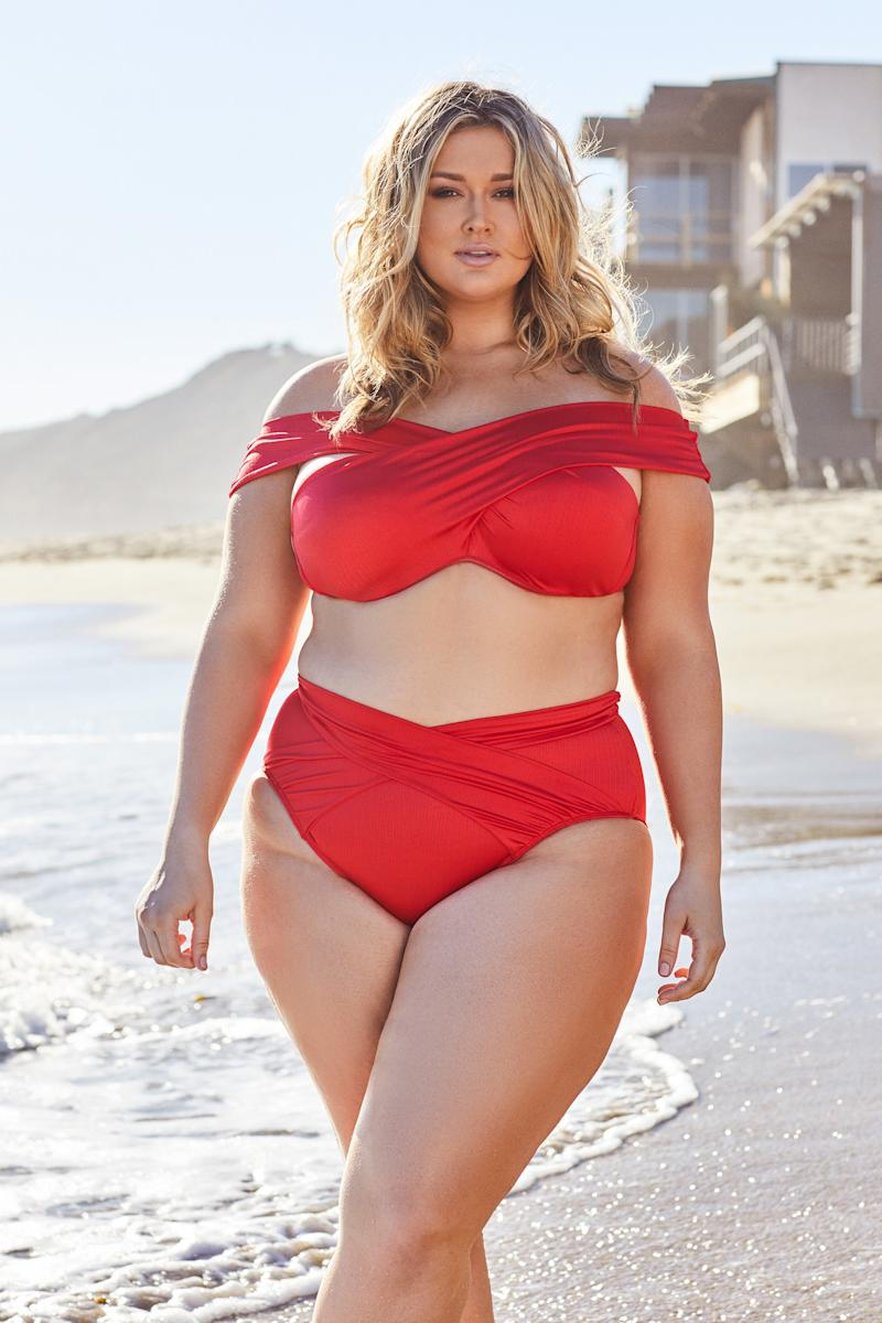 What It's Like to Shop for Plus-Size Swimwear, According to Hunter