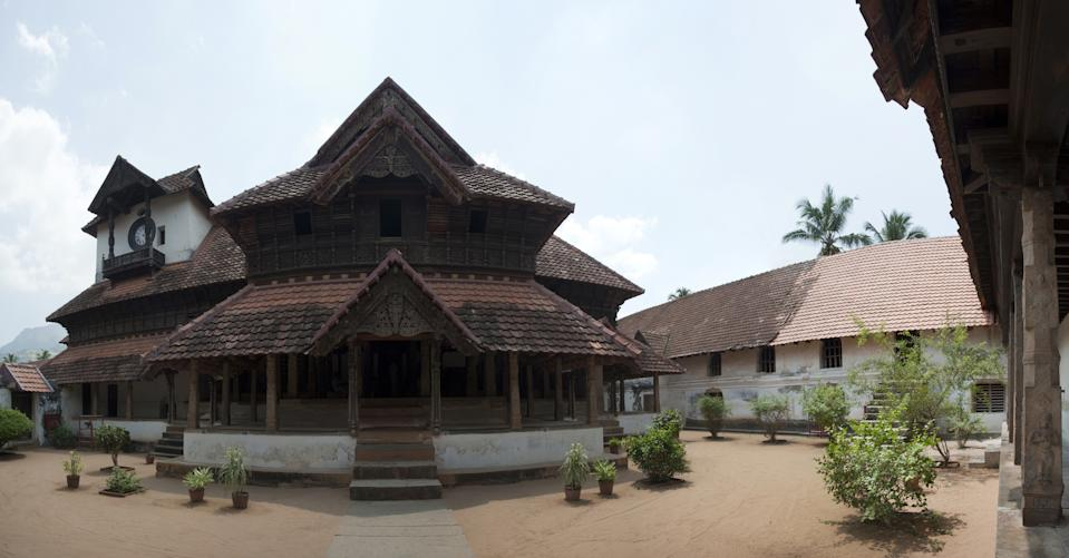 The Padmanabhapuram Palace complex consists of several structures: Mantrasala; the King's Council Chamber, Thai Kottaram, constructed before 1550, Nataksala; the Performance Hall, A four-storeyed mansion at the centre of the complex, Thekee Kottaram; the Southern Palace.