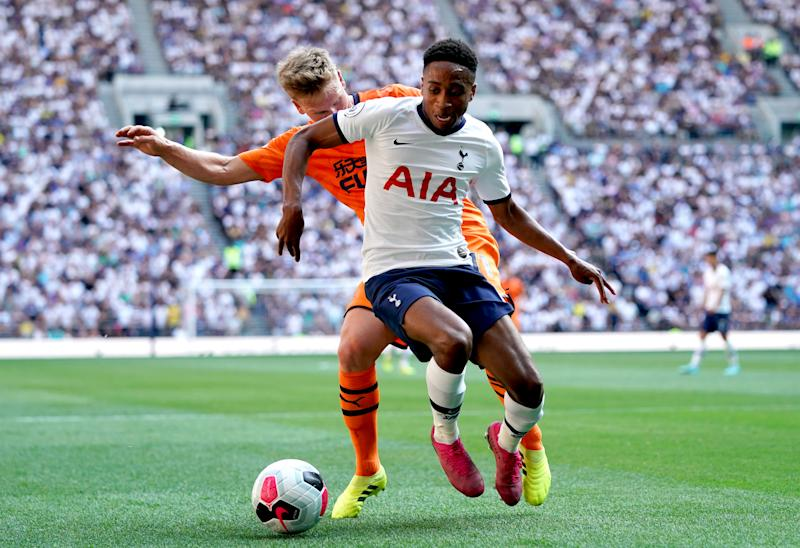 Matt Ritchie and Kyle Walker-Peters battle for the ball (Credit: Getty Images)