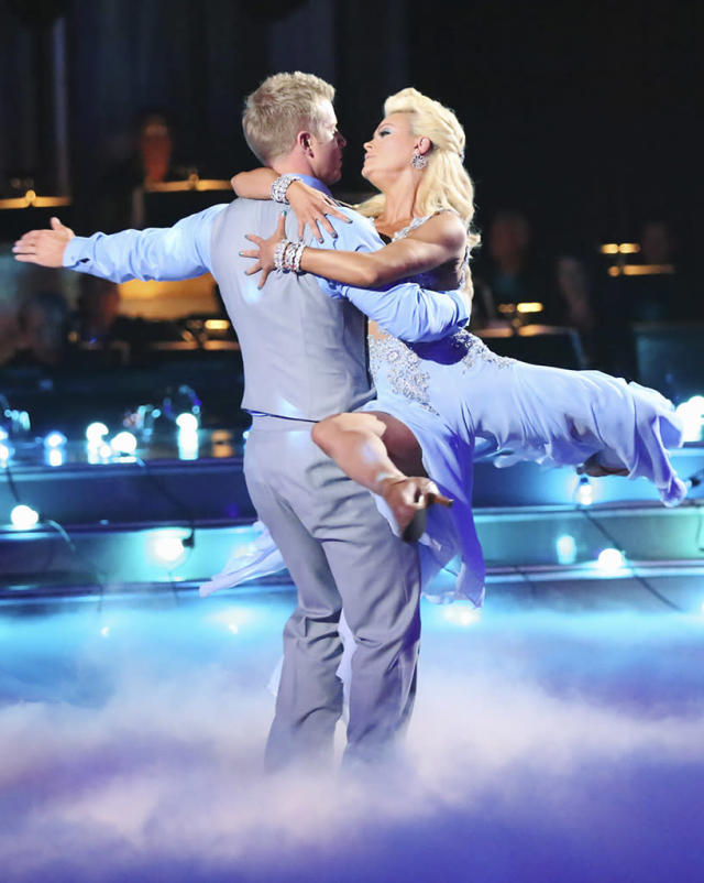 """Sean Lowe and Peta Murgatroyd perform on """"Dancing With the Stars."""""""