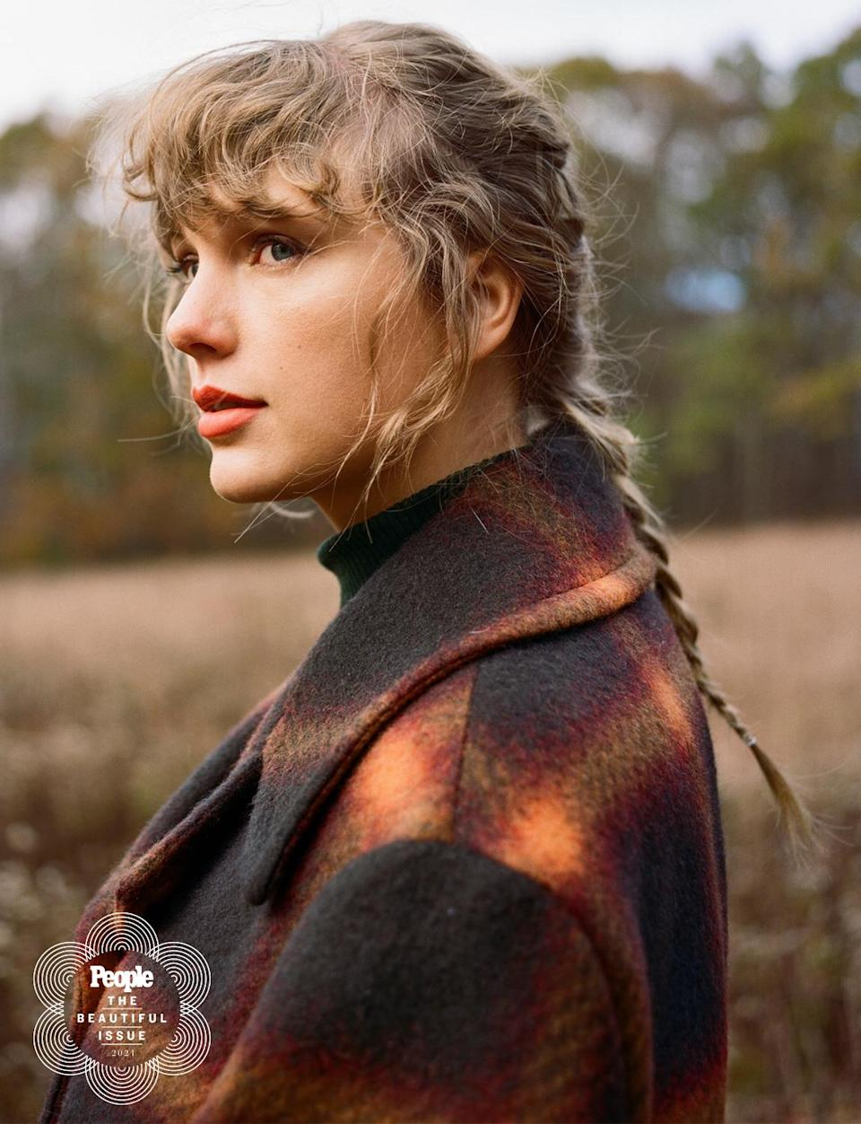"<p>The singer found beauty in solitude during the pandemic, releasing new music (and winning a Grammy for it!) and continuing her string of good deeds.</p> <p>Most recently Swift, 31, and her mother <a href=""https://people.com/music/taylor-swift-mom-andrea-jointly-donate-50k-dad-of-five-dead-covid/"" rel=""nofollow noopener"" target=""_blank"" data-ylk=""slk:donated $50,000"" class=""link rapid-noclick-resp"">donated $50,000</a> to the family of a father who died of COVID-19. It followed her <a href=""https://people.com/music/taylor-swift-donates-fans-affected-by-coronavirus-crisis/"" rel=""nofollow noopener"" target=""_blank"" data-ylk=""slk:move in the early day of the coronavirus crisis"" class=""link rapid-noclick-resp"">move in the early day of the coronavirus crisis</a>, in which she helped fans make ends meet with surprise $3,000 donations. </p>"