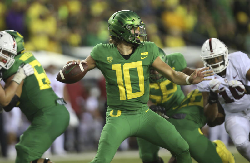 8f85c2b71 Oregon s Justin Herbert announced he ll stay in school instead of entering  the NFL draft