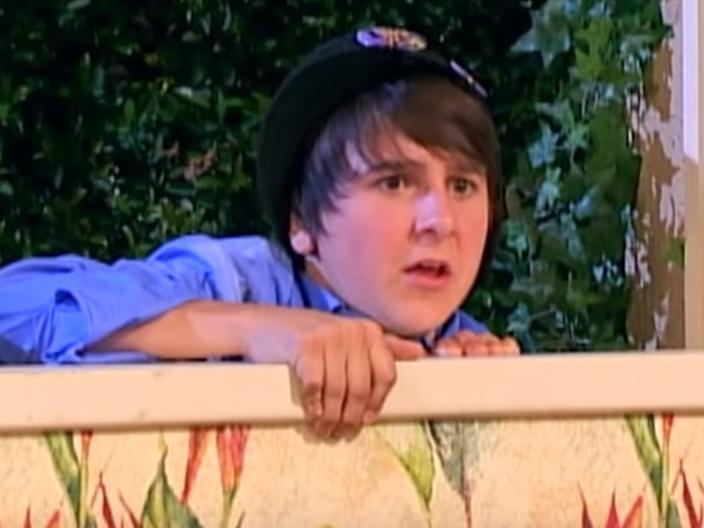 mitchel musso as oliver on hannah montana