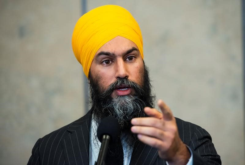 'Remember who we're fighting for,' Singh says as NDP caucus sworn into office