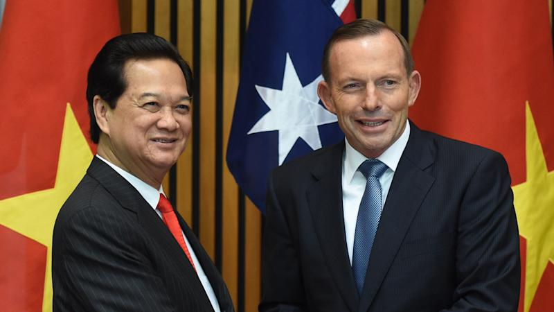 Vietnam and Australia will undertake joint military training as part of increased bilateral ties.