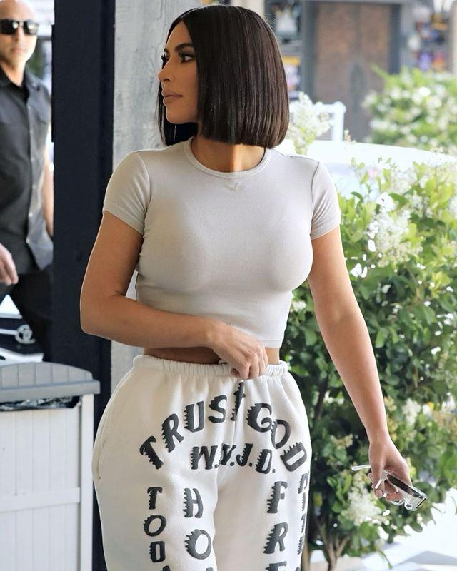 "<p>Kim is known for her Naomi Campbell-inspired, floor-grazing locks. But it looks like the belfie queen ditched her long af roughly 32-inch extensions for a new summer 'do. Kim just debuted this super cropped bob, while rocking her go-t0 athleisure, and looked chic AF. Are you thinking of doing the big chop? Now, I'm kind of tempted to, tbh.</p><p><a href=""https://www.instagram.com/p/ByBrgTsB6ta/"">See the original post on Instagram</a></p>"