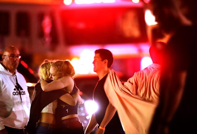 Los Angeles area athletes are sharing messages of support following a mass shooting in Thousand Oaks, California. (Getty Images)