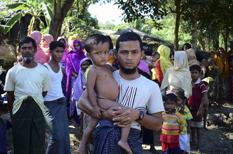 More Rohingyas flee to Bangladesh as violence spreads in Myanmar