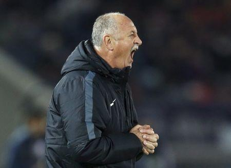 File photo: Luiz Felipe Scolari directs his players during their Club World Cup third-place soccer match against Japan's Sanfrecce Hiroshima in Yokohama, south of Tokyo, Japan, December 20, 2015. REUTERS/Toru Hanai