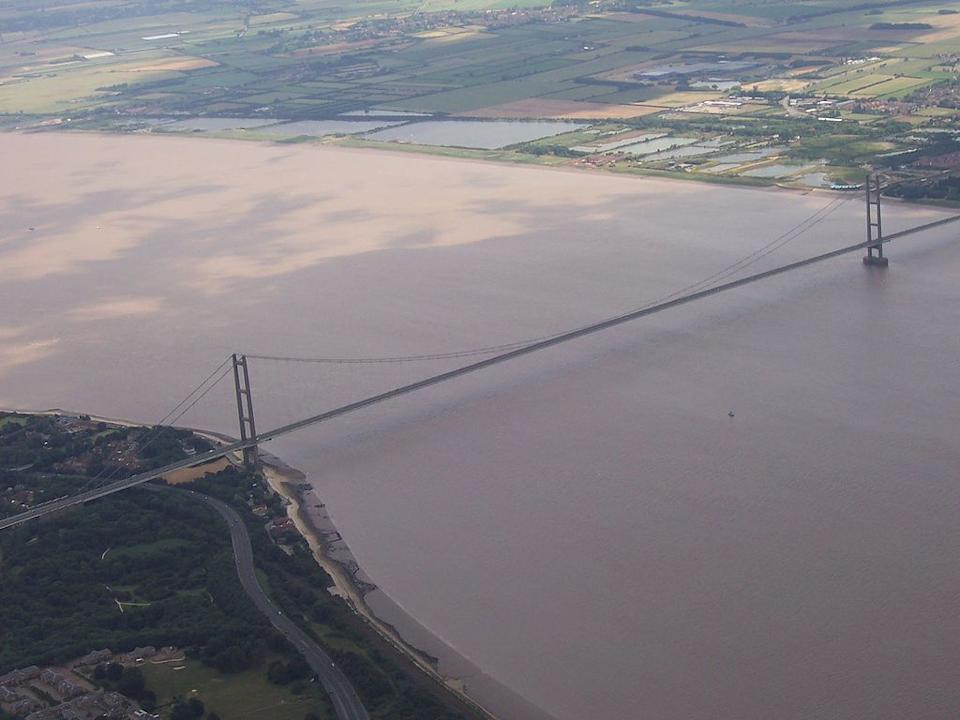 <p><b>5. Humber Bridge</b></p> <br><p>The Humber Bridge, near Kingston upon Hull, England, is a 2,220 m (7,283 ft) single-span suspension bridge, which opened to traffic on 24 June 1981. It is the fifth-largest of its type in the world.</p> <br><p>By Lee Jackson (Own work (Photograph taken by myself)) [Public domain], via Wikimedia Commons</p>