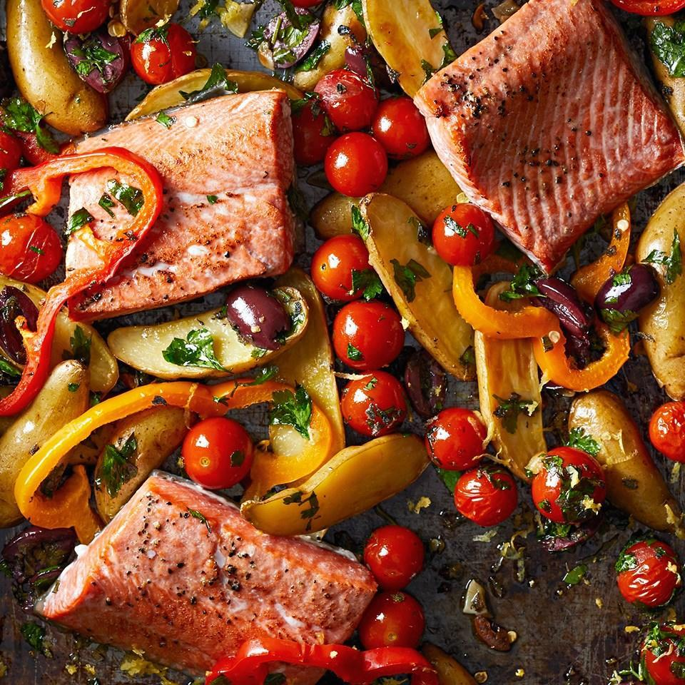 <p>This dish is packed with flavor and fits perfectly into a Mediterranean diet.</p>