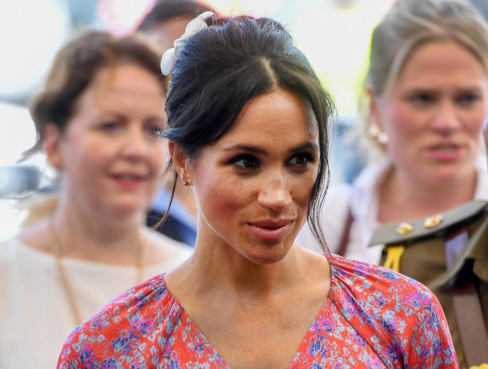 SUVA, SUVA - OCTOBER 24:  (NO UK SALES FOR 28 DAYS) Meghan, Duchess of Sussex visits Suva Market to meet some of the female vendors who have been involved in the UN Women's project 'Markets for Change'. on October 24, 2018 in Suva, Fiji.  The Duke and Duchess of Sussex are on their official 16-day Autumn tour visiting cities in Australia, Fiji, Tonga and New Zealand.  (Photo by Pool/Samir Hussein/WireImage)