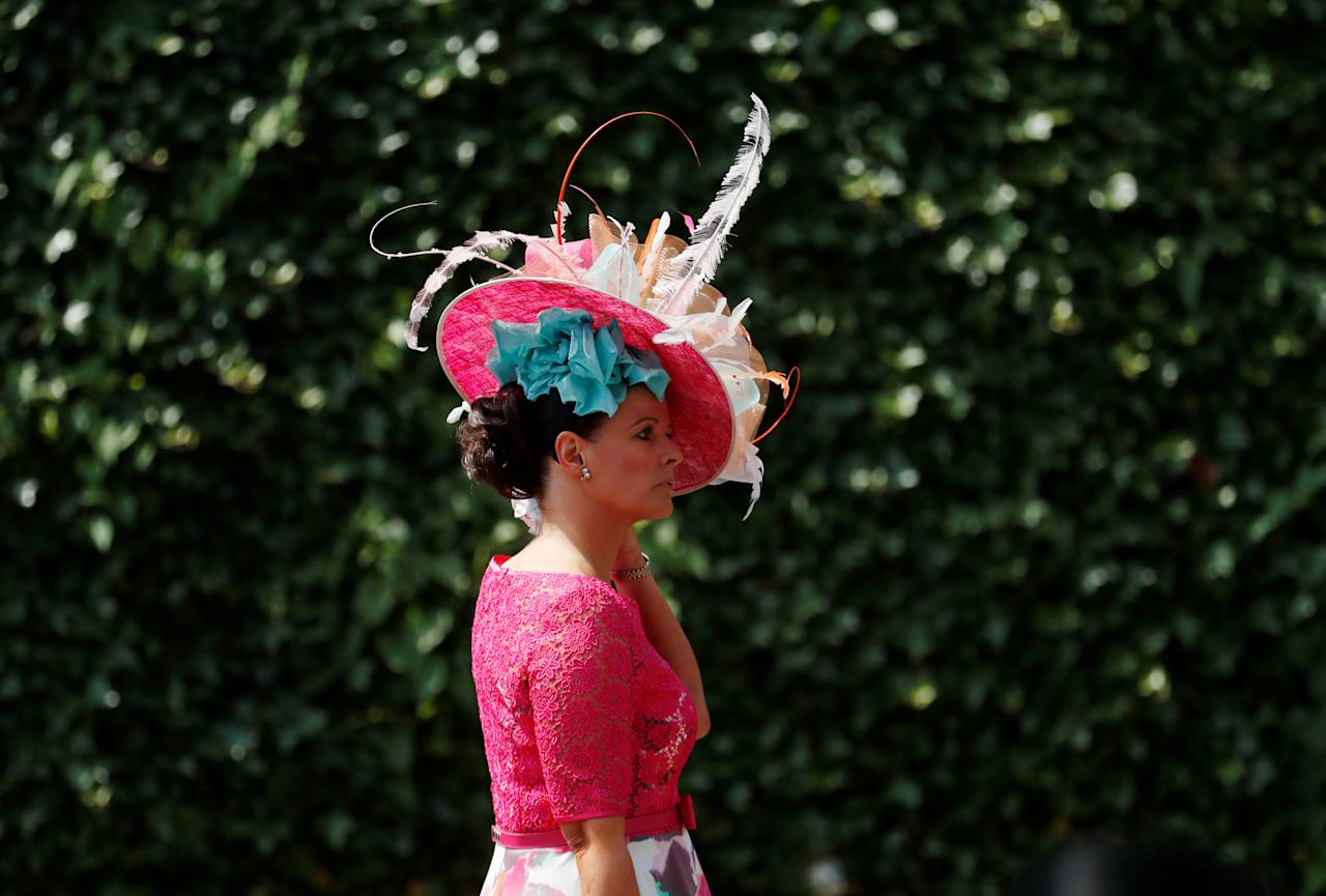 Horse Racing - Royal Ascot - Ascot Racecourse, Ascot, Britain - June 21, 2018   Racegoers arrive before the start   Action Images via Reuters/Andrew Boyers
