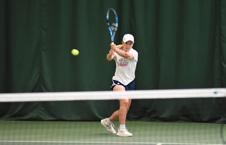 Sonay Kartal powered her way past Emma Wilson in straight sets to win her third consecutive week of UK Pro League action