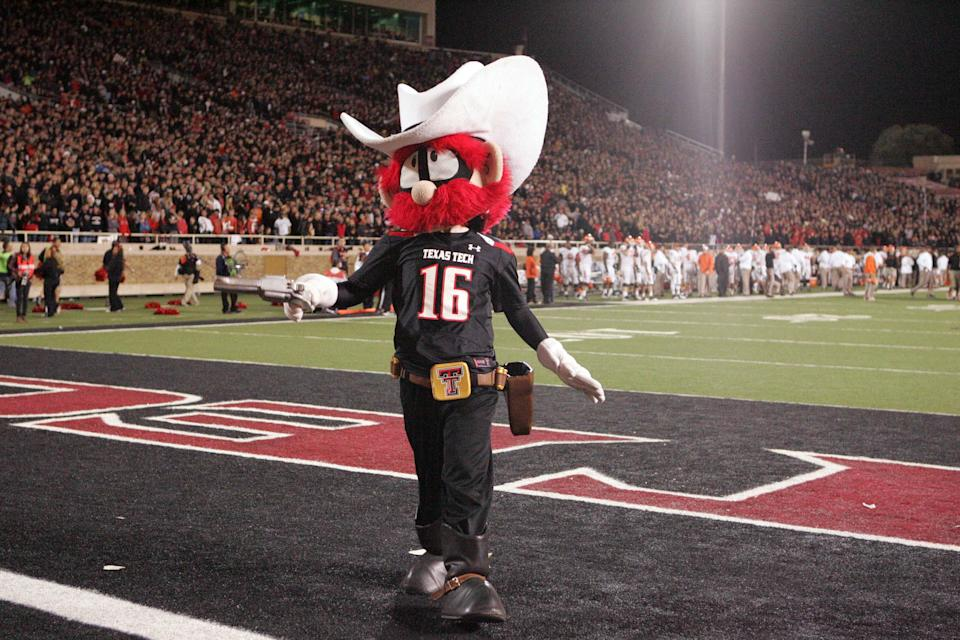Add Texas Tech to the list of teams using helmets with built-in cameras (Photo)