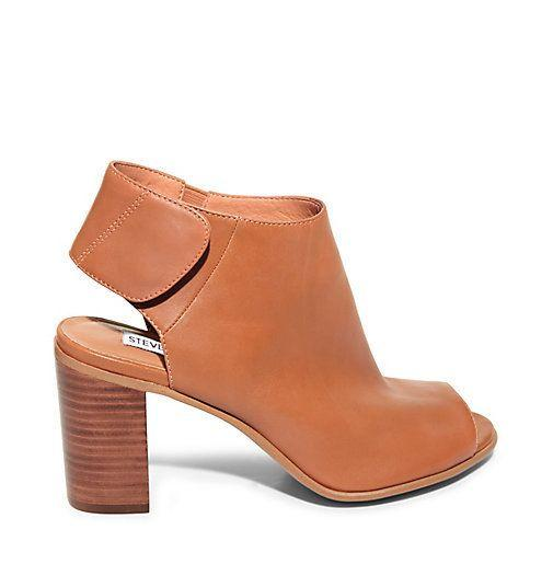 """Get them at <a href=""""http://www.stevemadden.com/product/NONSTP/170425.uts?selectedColor=BLACK-LEATHER"""" target=""""_blank"""">Steve Madden</a>."""