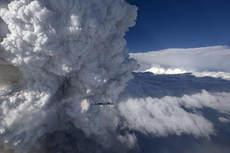Nasa: Photos of California Fire Clouds Captured by Fighter Jet