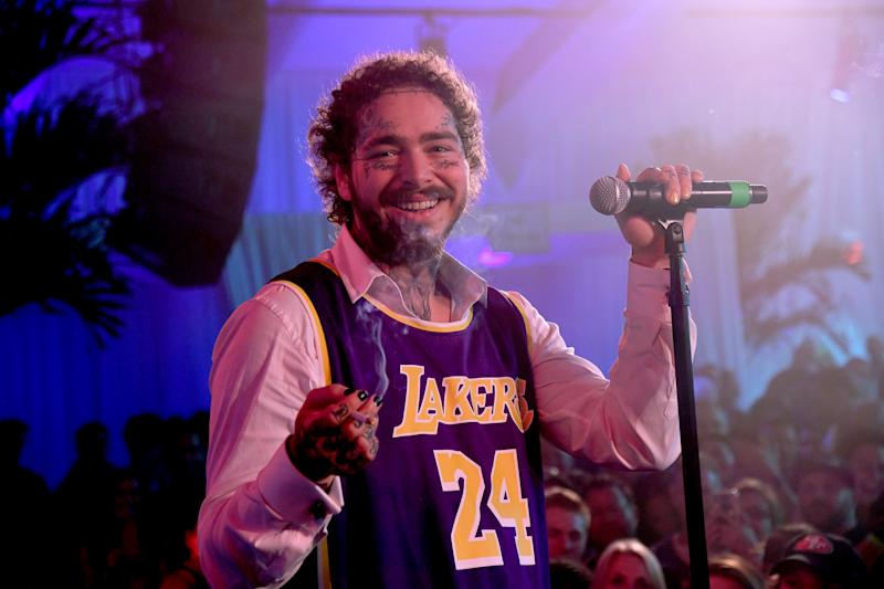 MIAMI BEACH, FLORIDA - FEBRUARY 01: Post Malone performs onstage during Michael Rubin's Fanatics Super Bowl Party at Loews Miami Beach Hotel on February 01, 2020 in Miami Beach, Florida. (Photo by Kevin Mazur/Getty Images for Fanatics )