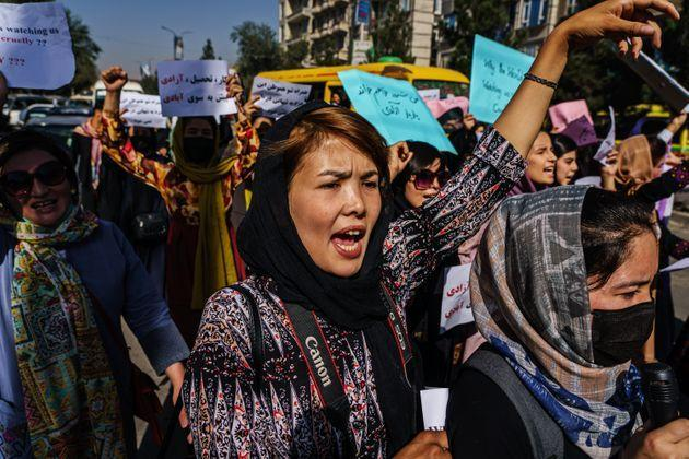 KABUL, AFGHANISTAN -- SEPTEMBER 8, 2021: Female protesters march through the Dashti-E-Barchi neighborhood, a day after the Taliban announced their new all-male interim government with a no representation for women and ethnic minority groups, in Kabul, Afghanistan, Wednesday, Sept. 8, 2021. (MARCUS YAM / LOS ANGELES TIMES) (Photo: Marcus Yam via Los Angeles Times via Getty Imag)