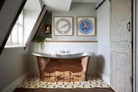 """<p>Slip into a freestanding copper bath, before heading down to sip cocktails at the buzzy bar at the trendy <a href=""""https://go.redirectingat.com?id=127X1599956&url=https%3A%2F%2Fwww.booking.com%2Fhotel%2Fgb%2Fartists-residence.en-gb.html%3Faid%3D2070935%26label%3Dweekend-getaways&sref=https%3A%2F%2Fwww.countryliving.com%2Fuk%2Ftravel-ideas%2Fstaycation-uk%2Fg34755768%2Fweekend-getaways%2F"""" rel=""""nofollow noopener"""" target=""""_blank"""" data-ylk=""""slk:Artist Residence"""" class=""""link rapid-noclick-resp"""">Artist Residence</a> in Brighton. Just steps from the beach, it's the perfect spot for a weekend getaway. </p><p>Many rooms have sweeping sea views, and you're just a pebble's throw from the shops in the fashionable area of The Lanes, as well as being near to the British Airways i360 viewing tower. Ice creams, fish and chips and picnics on the beach also await.</p><p><a href=""""https://www.countrylivingholidays.com/offers/east-sussex-brighton-artist-residence-hotel"""" rel=""""nofollow noopener"""" target=""""_blank"""" data-ylk=""""slk:Read our review of Artist Residence."""" class=""""link rapid-noclick-resp"""">Read our review of Artist Residence.</a></p><p><a class=""""link rapid-noclick-resp"""" href=""""https://go.redirectingat.com?id=127X1599956&url=https%3A%2F%2Fwww.booking.com%2Fhotel%2Fgb%2Fartists-residence.en-gb.html%3Faid%3D2070935%26label%3Dweekend-getaways&sref=https%3A%2F%2Fwww.countryliving.com%2Fuk%2Ftravel-ideas%2Fstaycation-uk%2Fg34755768%2Fweekend-getaways%2F"""" rel=""""nofollow noopener"""" target=""""_blank"""" data-ylk=""""slk:CHECK AVAILABILITY"""">CHECK AVAILABILITY</a></p>"""