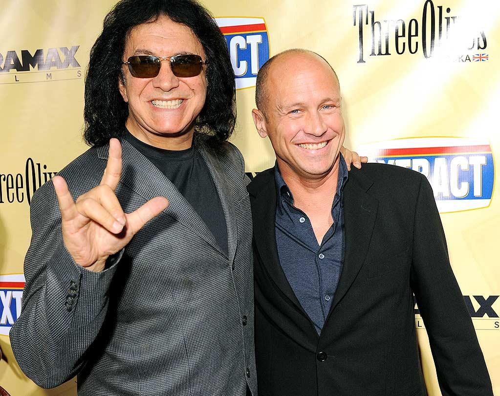 "<a href=""http://movies.yahoo.com/movie/contributor/1800021241"">Gene Simmons</a> and <a href=""http://movies.yahoo.com/movie/contributor/1800020523"">Mike Judge</a> arrive at the Los Angeles premiere of <a href=""http://movies.yahoo.com/movie/1810039594/info"">Extract</a> - 08/24/2009"