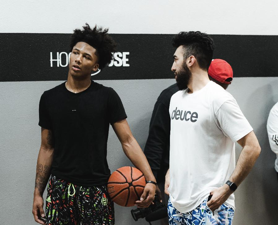 Mikey Williams and trainer Ryan Razooky during a workout at him gym Hoop House. Photo by Julian Deguzman.