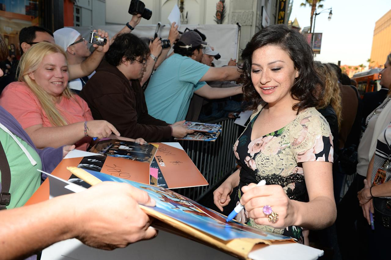 """HOLLYWOOD, CA - APRIL 29:  Actress Alia Shawkat arrives at the Los Angeles Premiere of Season 4 of Netflix's """"Arrested Development"""" at the TCL Chinese Theatre on April 29, 2013 in Hollywood, California.  (Photo by Michael Buckner/Getty Images for Netflix)"""