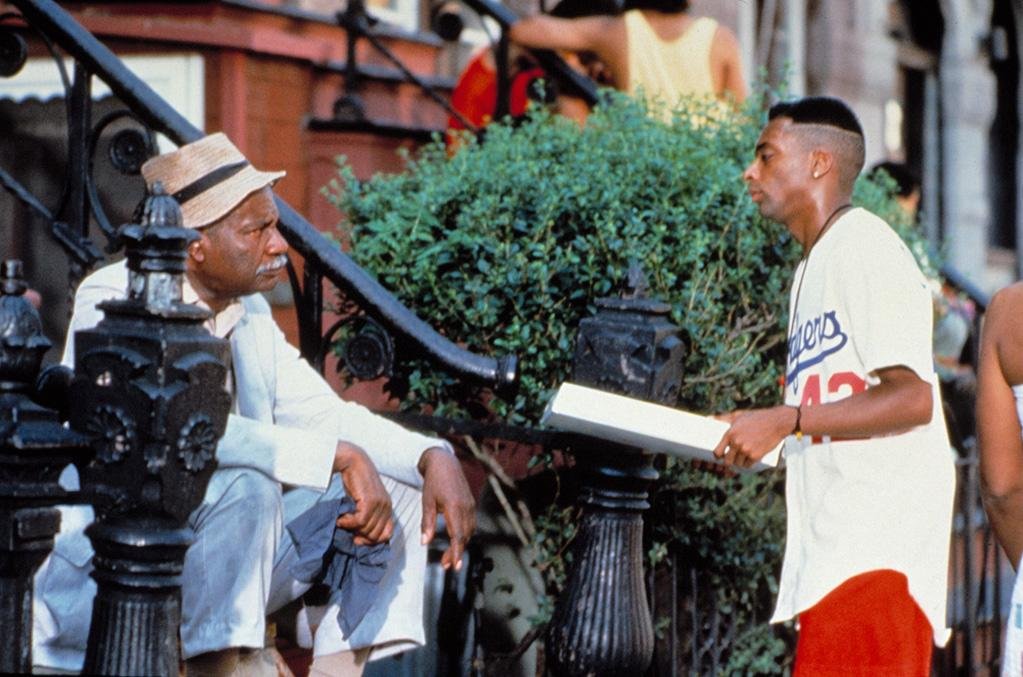 """<a href=""""http://movies.yahoo.com/movie/do-the-right-thing/"""">DO THE RIGHT THING</a> (1989) <br>Directed by: <span>Spike Lee</span> <br>Starring: <span>Danny Aiello</span>, <span>Ossie Davis</span> and <span>Ruby Dee</span>"""