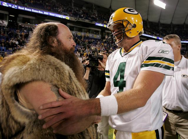 <p>Quarterback Brett Favre #4 of the Green Bay Packers bids farewell to 'Ragnar' the Minnesota Vikings mascot portrayed by Joe Juranitch, after the Packers defeated the Vikings 23-17 on November 12, 2006 at the Metrodome in Minneapolis, Minnesota. Juranitch said that Favre told him in case he didn't make the next trip to Minneaspolis, he wanted to let me know that its been fun. (Photo by Doug Pensinger/Getty Images) </p>