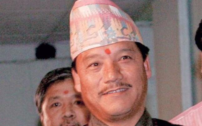 <p>Within 24 hours of West Bengal government's announcement of Binay Tamang  as the head of the caretaker board of the GTA and Anit Thapa amongst  his assistants, the absconding chief of GJM Bimal Gurung has issued a  video fatwa against his former associates. </p>