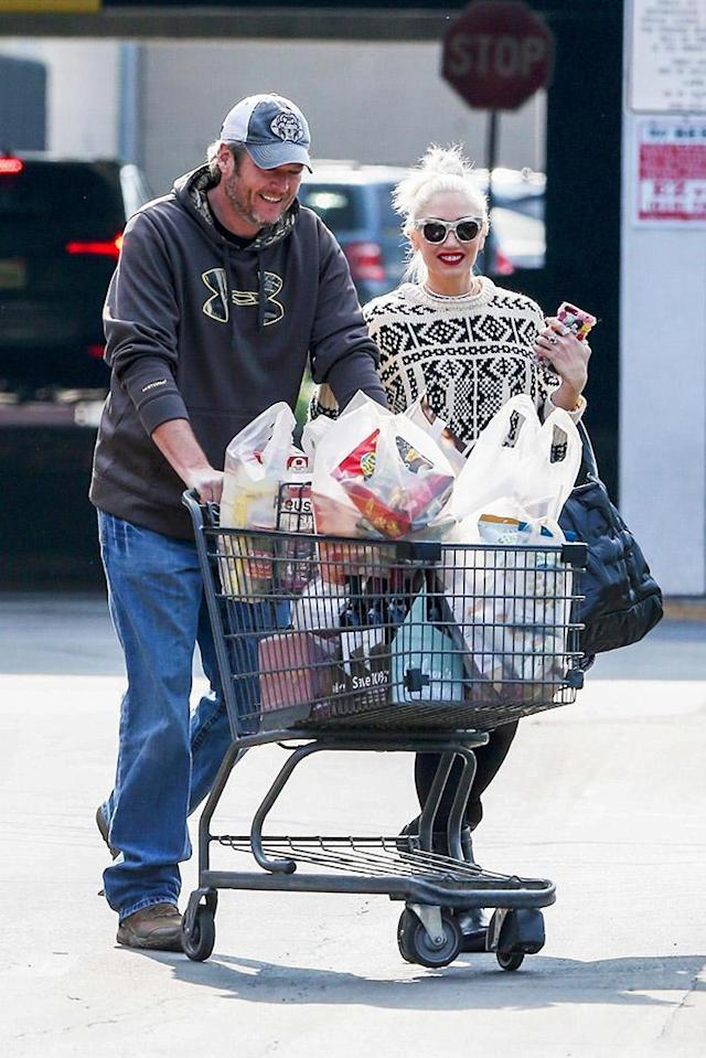 <p>They're so domestic! The<em> Voice</em> judges stocked up on some groceries ahead of the holidays on Sunday, as they were seen looking smitten at Gelson's Supermarket in L.A. (Photo: Stefan/BackGrid)<br><br></p>