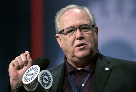 United Auto Workers (UAW) Secretary-Treasurer Dennis Williams addresses the membership during the UAW Constitutional Convention in Detroit, Michigan March 23, 2011. REUTERS/Rebecca Cook