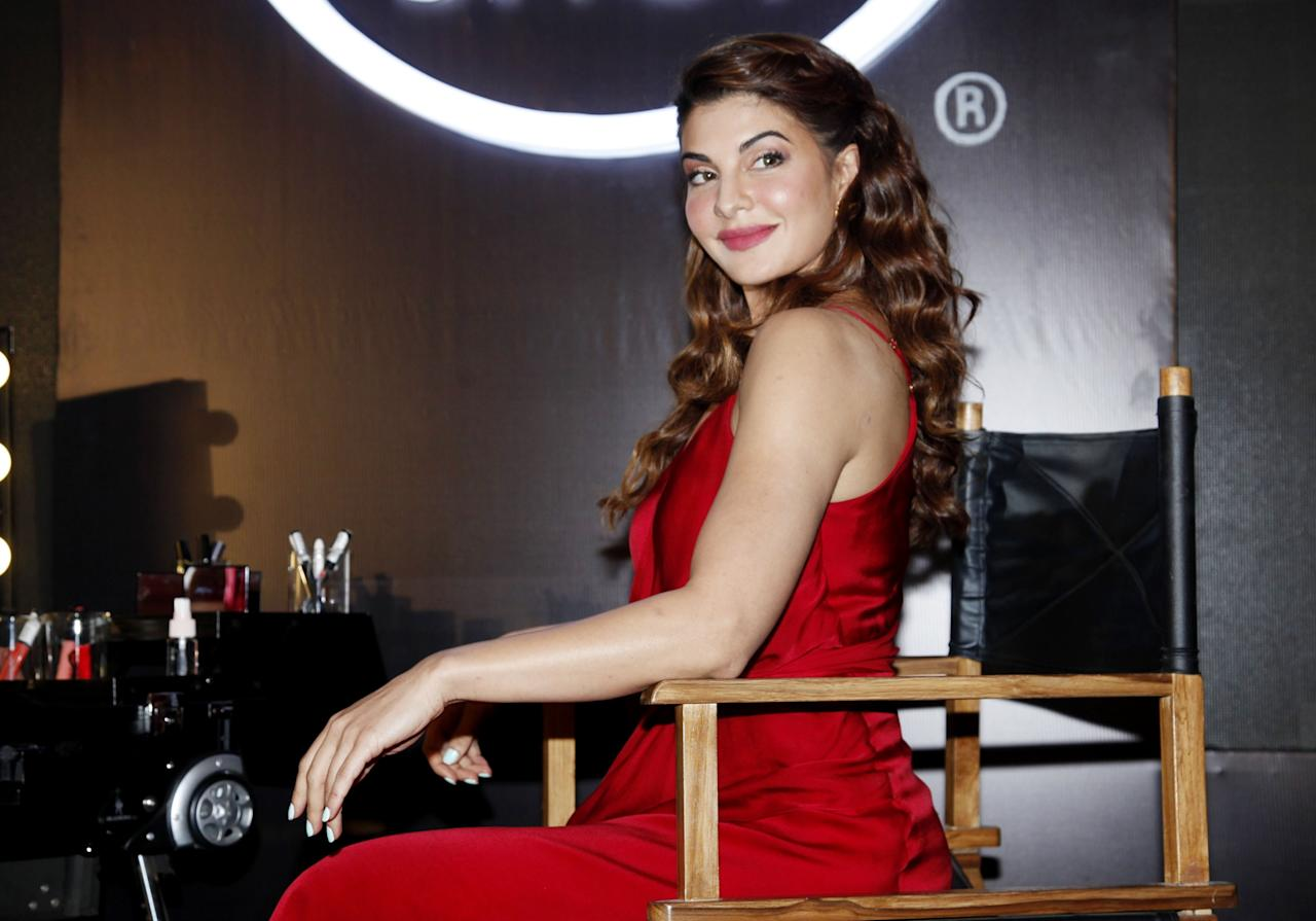 <p>Pictures of Jacqueline Fernandez from no make-up to glam diva. </p>