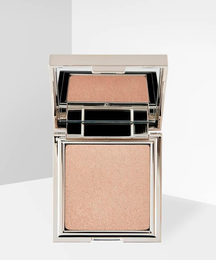"<br><br><strong>Jouer Cosmetics</strong> Powder Highlighter, $, available at <a href=""https://go.skimresources.com/?id=30283X879131&url=https%3A%2F%2Fwww.beautybay.com%2Fp%2Fjouer-cosmetics%2Fpowder-highlighter%2Ftopaz%2F"" rel=""nofollow noopener"" target=""_blank"" data-ylk=""slk:Beauty Bay"" class=""link rapid-noclick-resp"">Beauty Bay</a>"