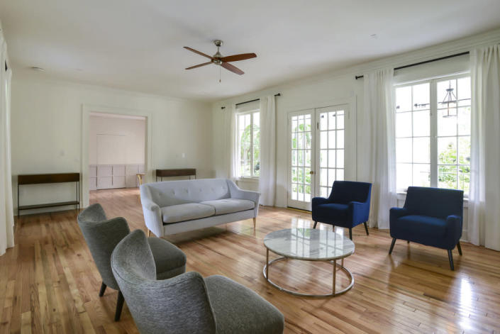 <p><i>Because the mansion is used largely for photo shoots and parties now, some of the original bedrooms are not used as bedrooms. <i>(Photo: MB America)</i></i></p>