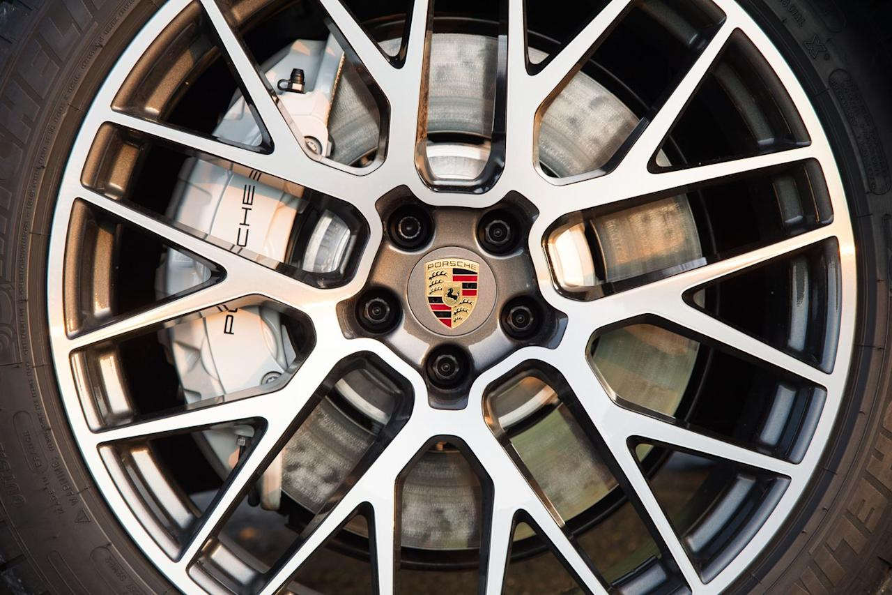 <p>Porsche's Surface Coated Brakes are standard on the Macan Turbo. The rotors are coated with a layer of tungsten carbide to reduce dust and increase rotor lifespan. A carbon-ceramic setup remains optional.</p>