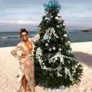 """<p>Eva Longoria has been sharing plenty of pics from her holiday vacay in Mexico, where she even found time to decorate a Christmas tree on the beach! (Photo: <a rel=""""nofollow noopener"""" href=""""https://www.instagram.com/p/BOctiFMgO1P/"""" target=""""_blank"""" data-ylk=""""slk:Instagram"""" class=""""link rapid-noclick-resp"""">Instagram</a>) </p>"""