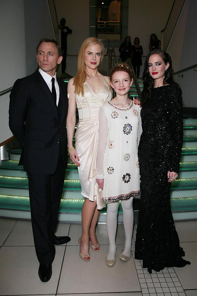 "Daniel Craig, Nicole Kidman, Dakota Blue Richards, and Eva Green at ""The Golden Compass"" world premiere at the Odeon Leicester Square in London, England. Davidson/<a href=""http://www.infdaily.com"" target=""new"">INFDaily.com</a> - November 27, 2007"