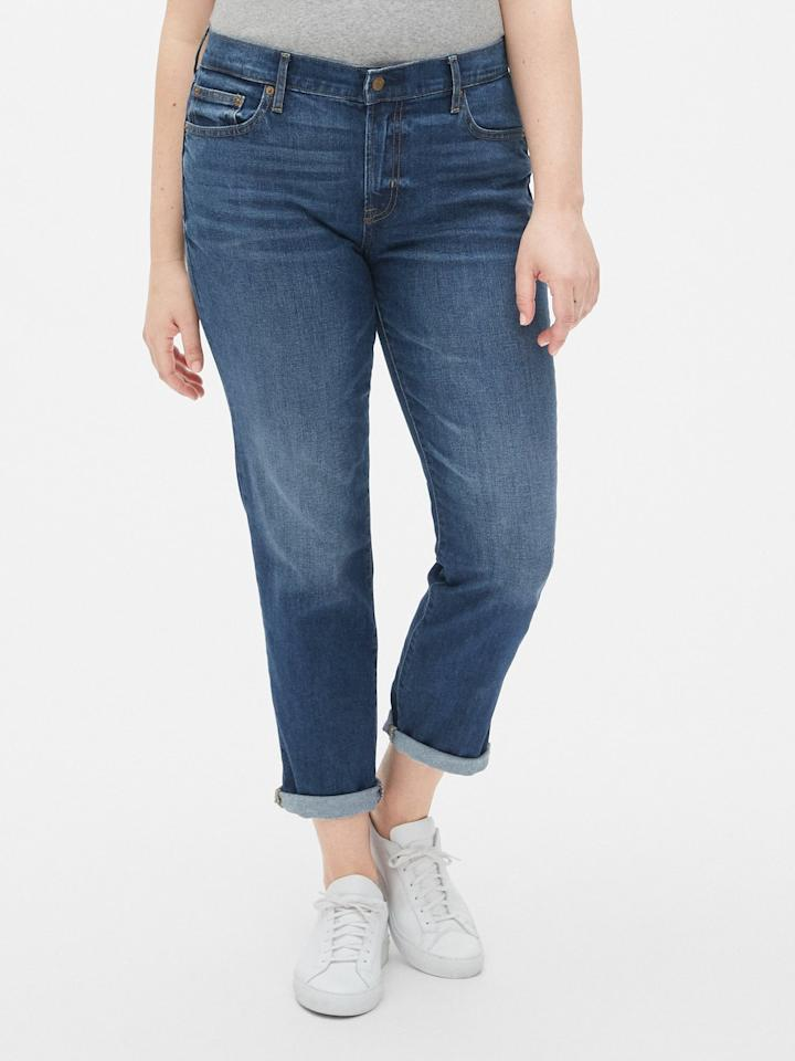 "<p>These <a href=""https://www.popsugar.com/buy/Gap-Mid-Rise-Girlfriend-Jeans-476728?p_name=Gap%20Mid%20Rise%20Girlfriend%20Jeans&retailer=gap.com&pid=476728&price=70&evar1=fab%3Aus&evar9=46467705&evar98=https%3A%2F%2Fwww.popsugar.com%2Fphoto-gallery%2F46467705%2Fimage%2F46467719%2FGap-Mid-Rise-Girlfriend-Jeans&list1=shopping%2Cgap%2Ccurve%2Csummer%20fashion%2Ccurve%20fashion&prop13=api&pdata=1"" rel=""nofollow"" data-shoppable-link=""1"" target=""_blank"" class=""ga-track"" data-ga-category=""Related"" data-ga-label=""https://www.gap.com/browse/product.do?pid=455410002&amp;pcid=999#pdp-page-content"" data-ga-action=""In-Line Links"">Gap Mid Rise Girlfriend Jeans</a> ($70) are so comfortable and easy to style. They're our go-to weekend jeans.</p>"