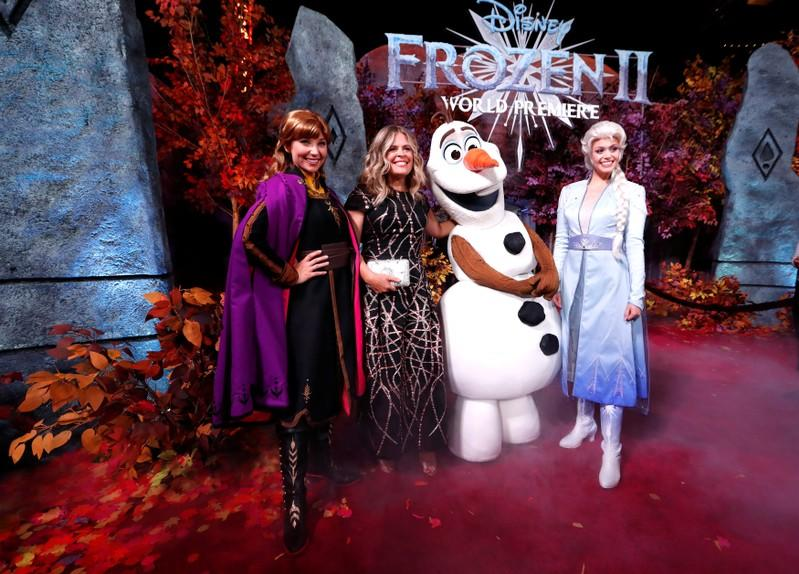 Box Office: 'Frozen 2' dazzles with $127 million debut