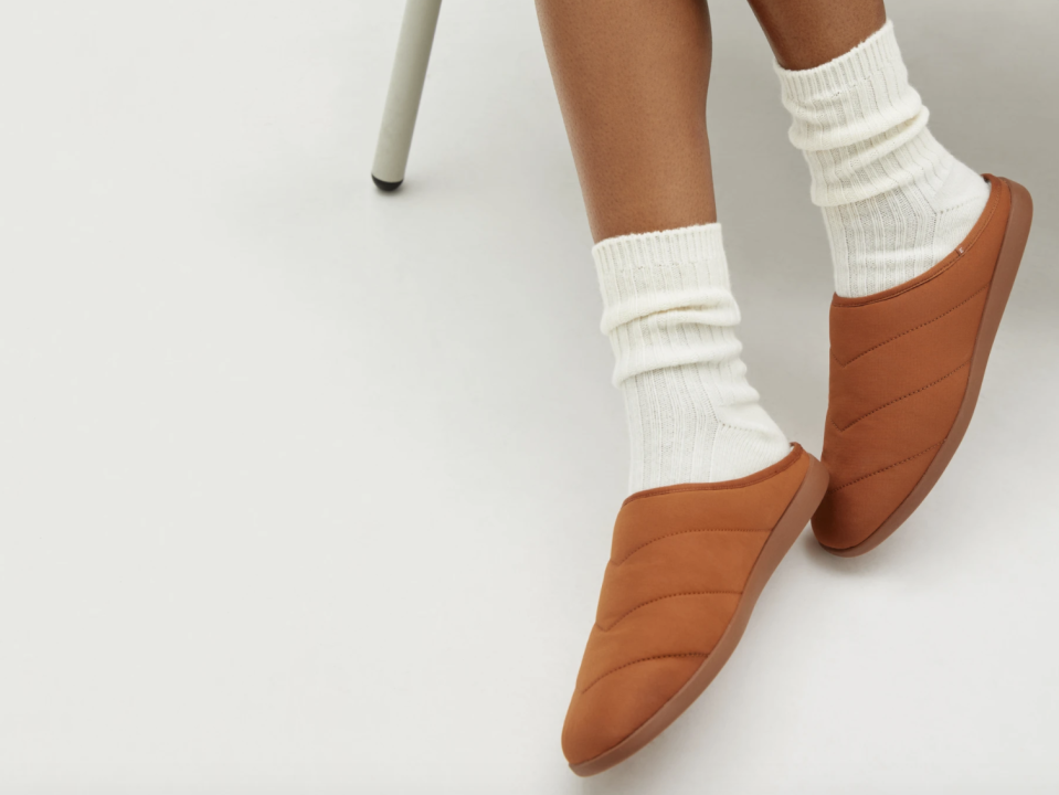 Everlane's new slippers are Canadian weather-approved.
