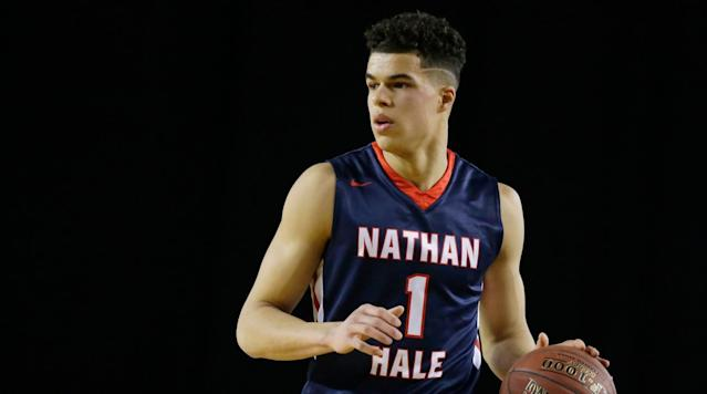 Elite uncommitted recruit Michael Porter Jr. committed to Missouri and head coach Cuonzo Martin, Porter announced Friday on Twitter.