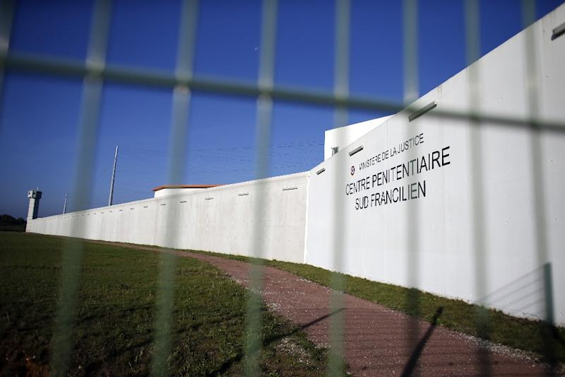 France launches massive manhunt for escaped prisoner who once fled to Israel