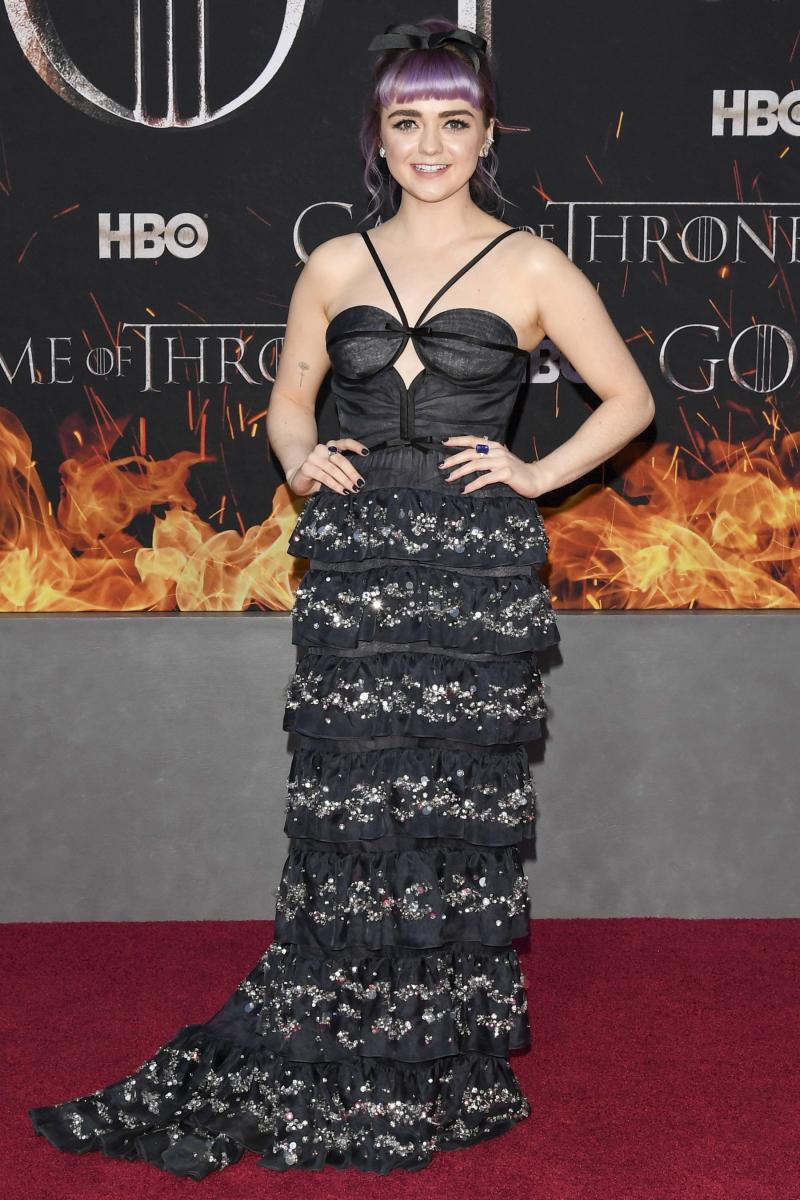 Maisie Williams Jokes About Her   Game of Thrones Sex Scene Making People 'Uncomfortable'