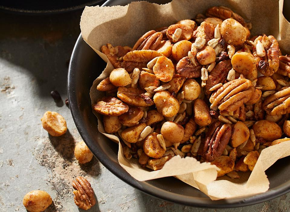 keto macadamia nut trail mix
