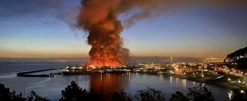 Incendio al molo di San Francisco, distrutto parte del Fisherman's Wharf (Photo: rtv)