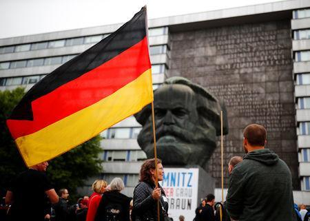 "Supporters of the far-right ""Pro Chemnitz"" group demonstrate in Chemnitz, Germany September 1, 2018. REUTERS/Hannibal Hanschke"